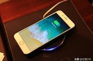苹果手机充电充不进去 苹果手机充电口无法冲电,充不进去电怎么办?